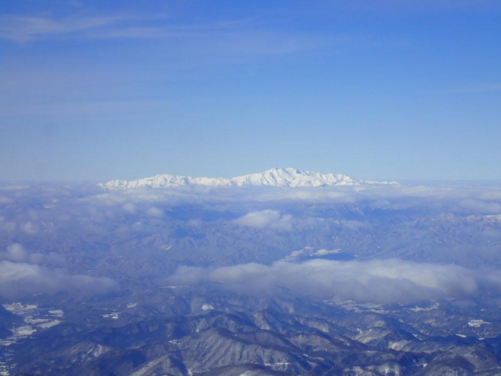 厳冬期の乗鞍岳から見る白山