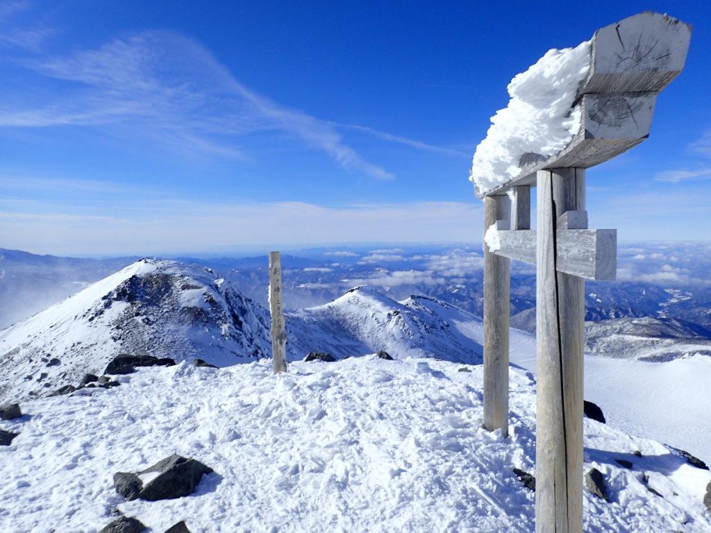 厳冬期の乗鞍岳山頂