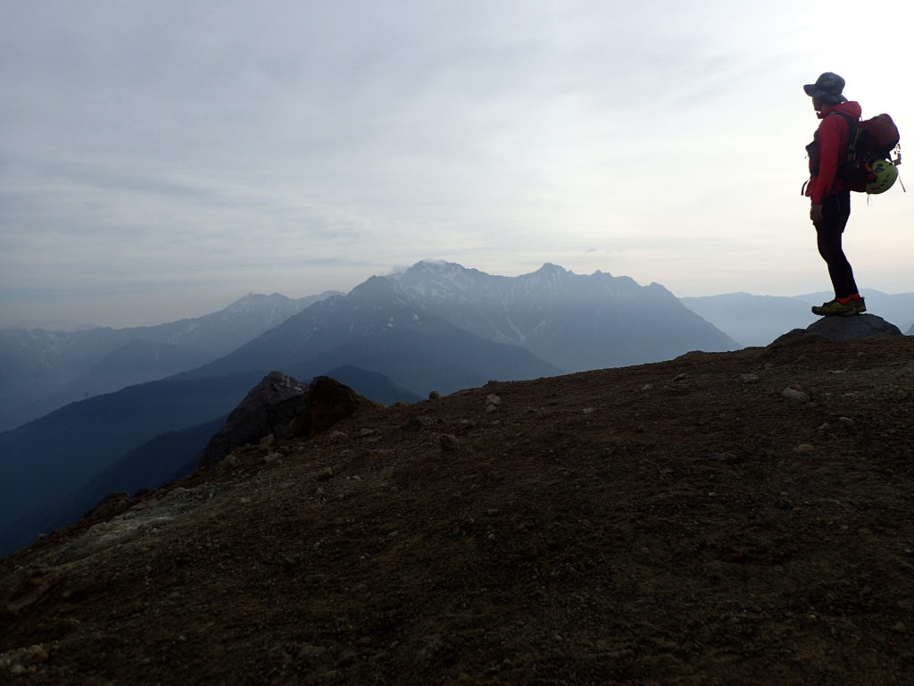 ひと夏での日本百名山全山日帰り登山17座目の焼岳山頂での記念写真