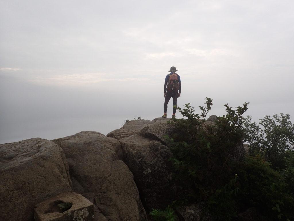 ひと夏での日本百名山全山日帰り登山46座目の 筑波山の山頂での記念写真