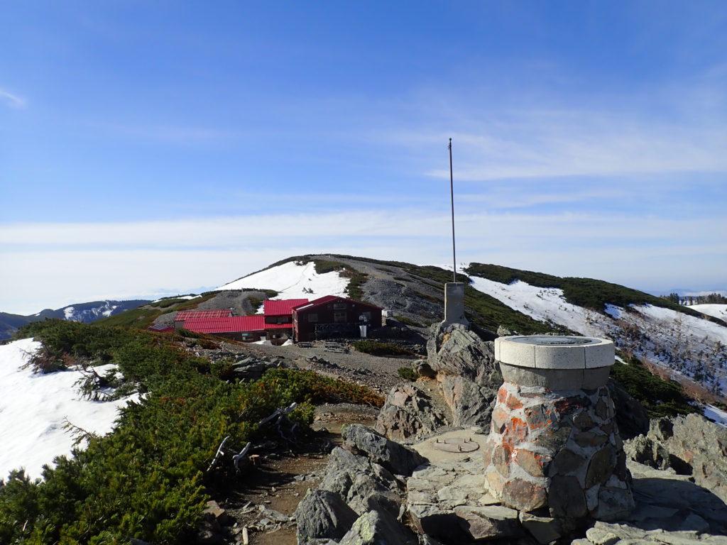 北アルプス蝶ヶ岳ヒュッテと瞑想の丘