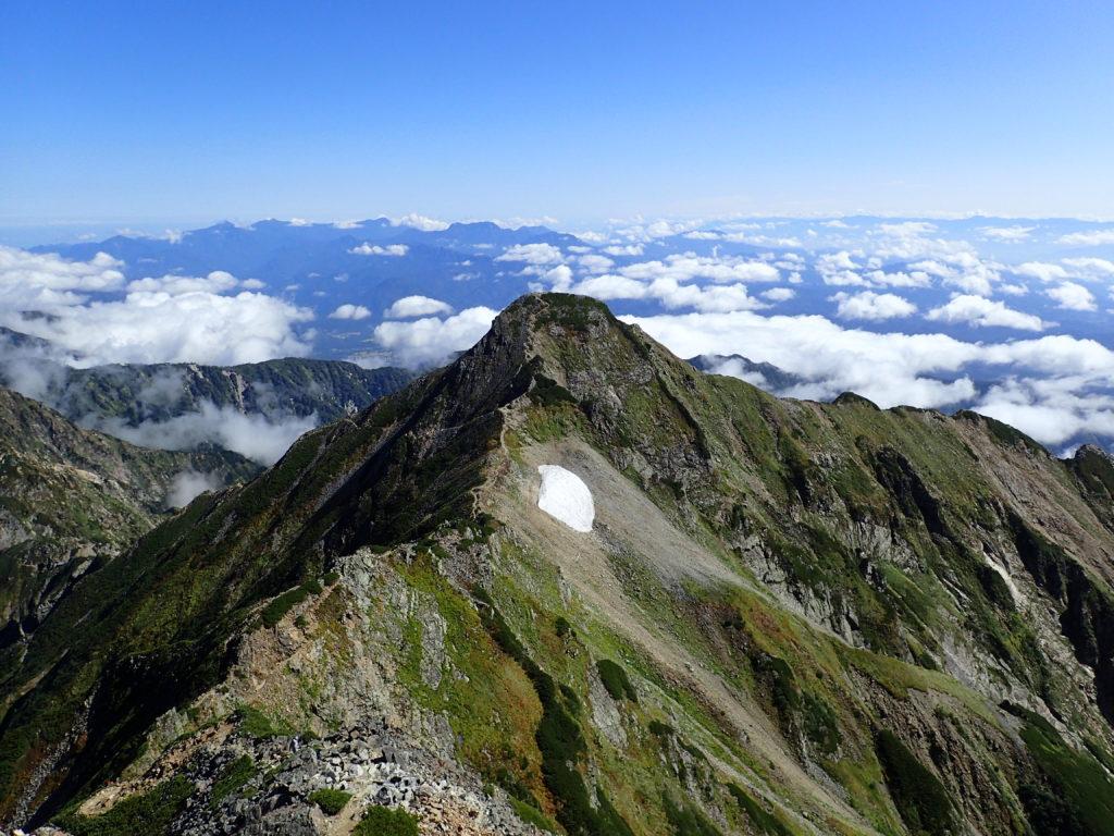 北アルプス鹿島槍ヶ岳北峰を鹿島槍ヶ岳南峰から撮影