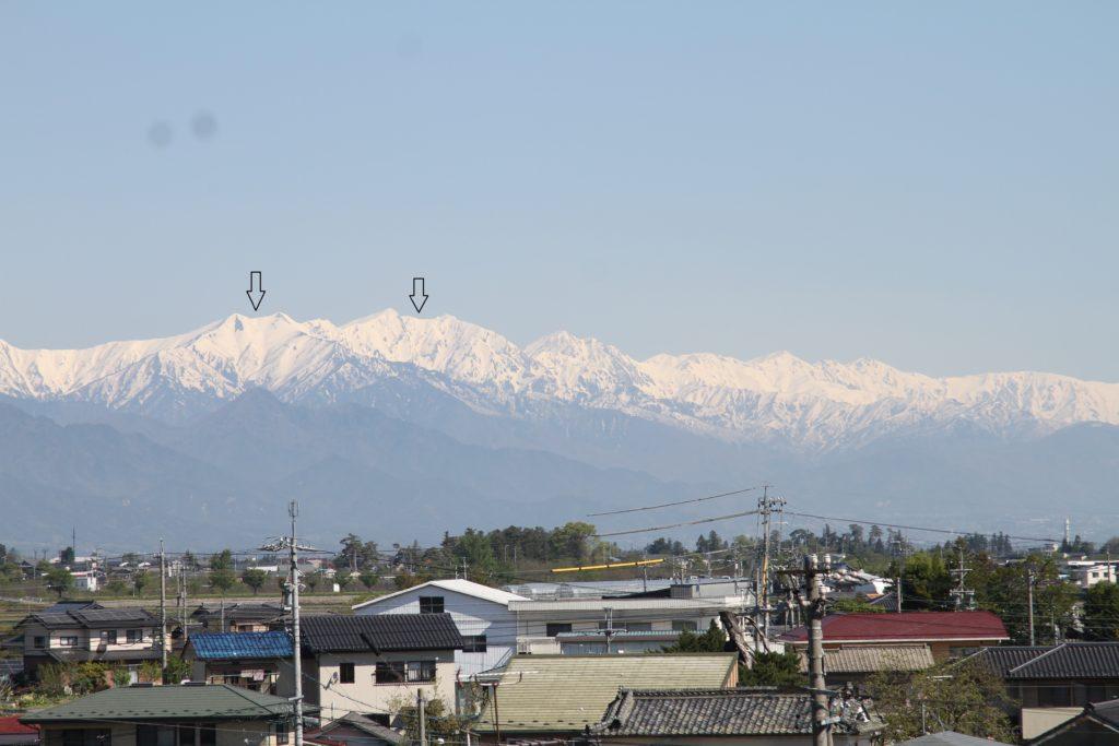松本市から見た北アルプス爺ヶ岳と鹿島槍ヶ岳